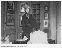 Ethel Sands in 1922.jpg