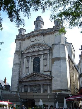 Exterior of Saint-Pierre church, Saumur.jpg