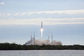 Falcon 9 CRS-2 launch 06 (KSC-2013-1733).jpg