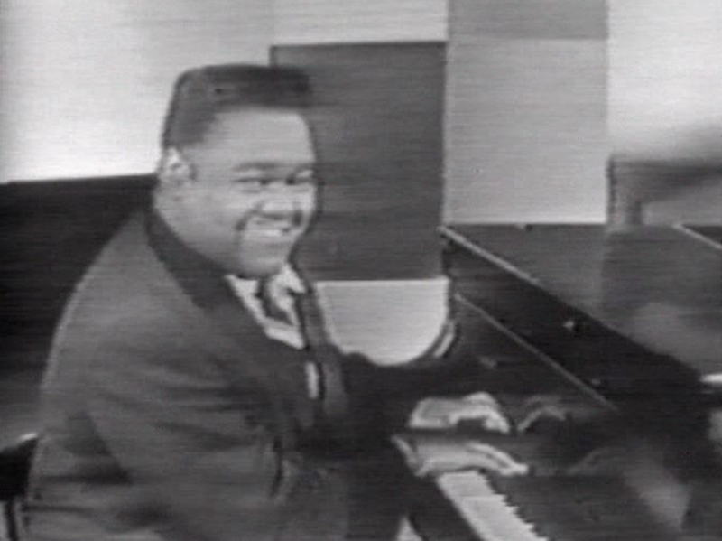 File:Fats Domino 1956.png