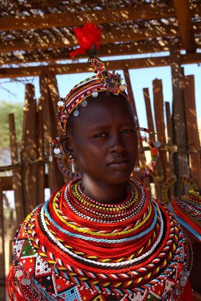 File:Femme Samburu à la Rose.jpg