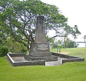 Ross Macpherson Smith - Image: First Flight Monument 1