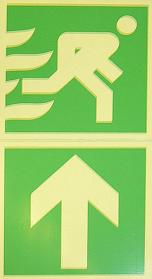 English: Escape Route (signs) Deutsch: Fluchtw...