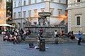 Fontana in Piazza di Santa Maria di Trastevere - panoramio.jpg