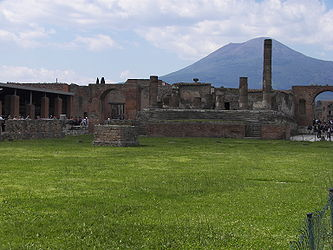 Forum in Pompeii 4.jpg