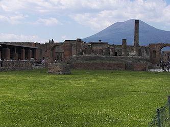 Forum in Pompeii 4.jpg