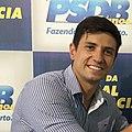 Foto Vinicius Schaefer em evento do PSDB.jpg