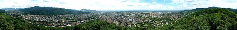 File:Freiburg Panorama 1000.jpg