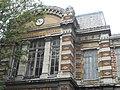 Fronton de la faculté de médecine et de pharmacie de Lille, rue Jean Bart.JPG