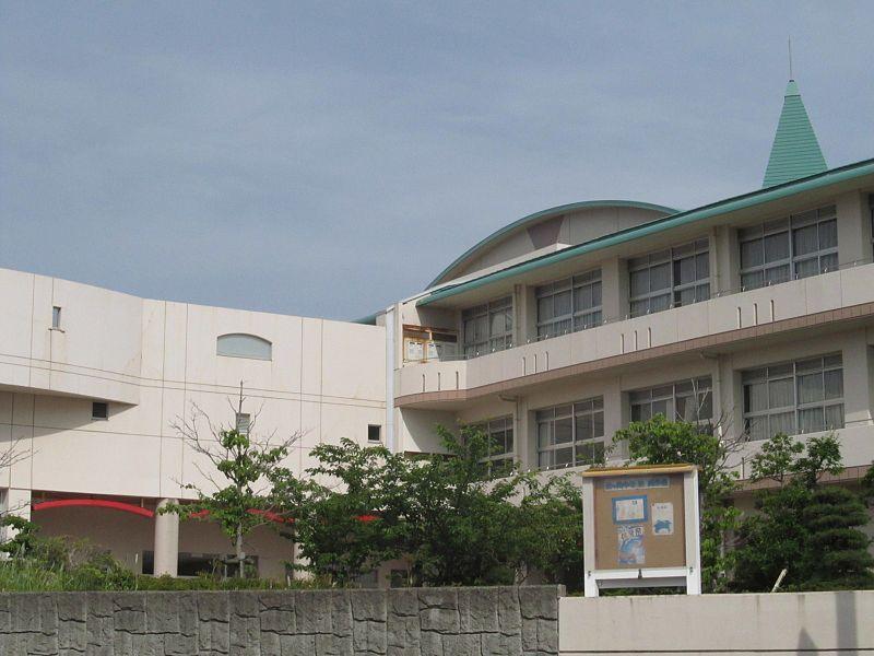 800px Fujisawa City Fujigaoka Junior High School - 藤沢の住みやすさが子育てママに愛される理由10個【住んで分かった】