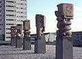 Günther Oellers, 5 Stelen, Koblenz Horchheimerhöhe, 1967, Bronze.jpg