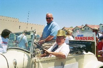Jerry Sanders (politician) - Jerry Sanders in the 2005 4th of July Parade in the Mira Mesa neighborhood of San Diego with John Witt, County Board of Education, driving.