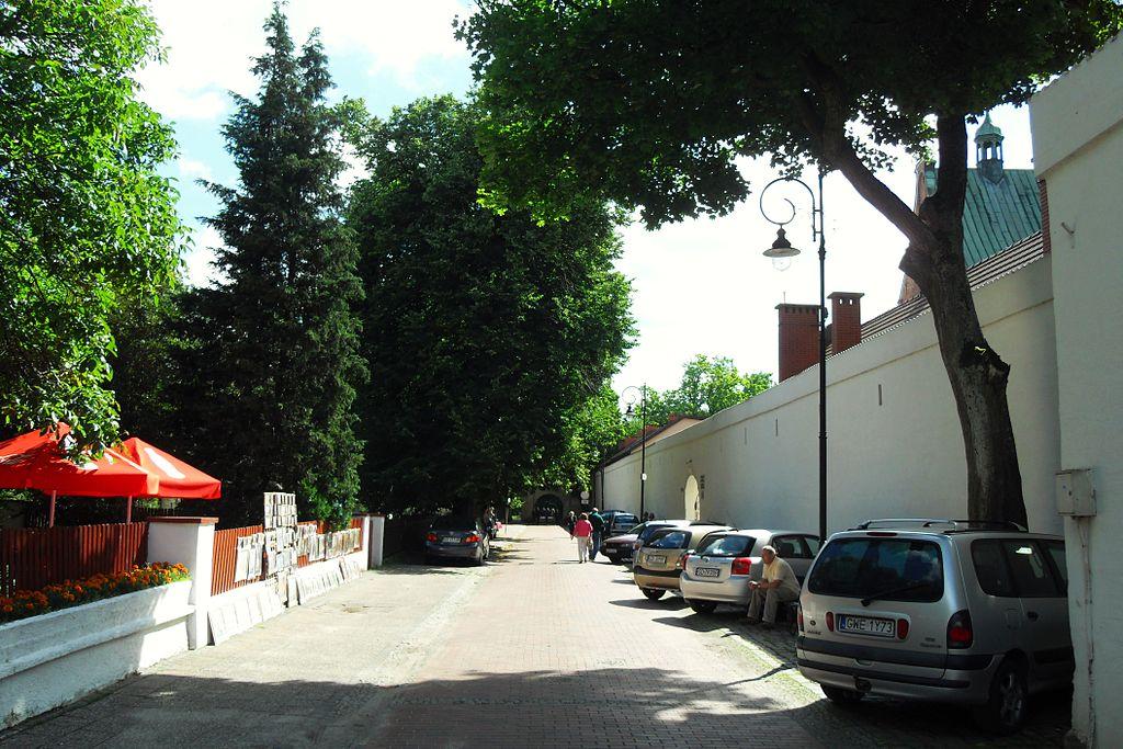 1024px-Gda%C5%84sk_ulica_Nowickiego.JPG