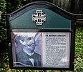 Gedenktafel Dr. Arthur Lemisch am Friedhof der Kath. Pfarrkirche Hl. Dreifaltigkeit am Gray, Kärnten.jpg