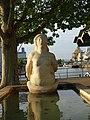 Gelpke-Brunnen mit der Galionsfigur aus Kalkstein im Rheinhafen (1941–1943) Im Hafenareal 1, Kleinhüningen, Basel von Willy Hege (1907–1976) (4).jpg