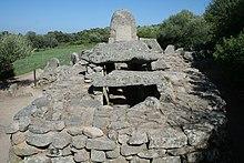 Giants' grave Coddu Vecchiu (Sardegna)..jpg