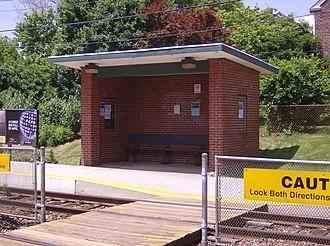 Gladstone station (SEPTA) - Image: Gladstone R3