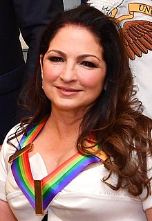Gloria Estefan - Wikipedia