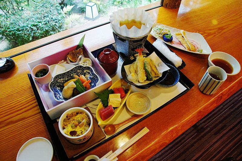 800px-Gofuso_Kishiwada_Osaka_pref_Japan02bs5.jpg
