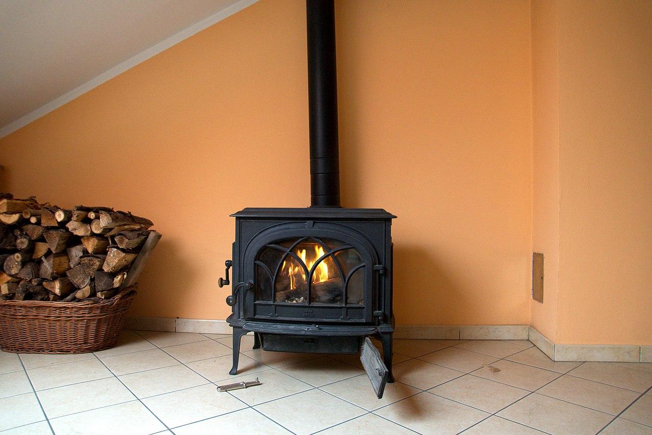 File:Good woodburning stove.jpg