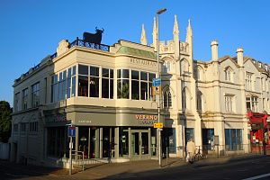 Gothic House - Image: Gothic House, 95–96 Western Road, Brighton (May 2014, as Verano Lounge)