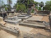 Graves of Nawazish Muhammad Khan and his adopted son Ekram ud Daulah Motijheel Murshidabad.jpg