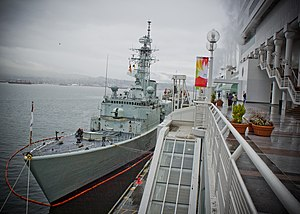 HMCS Algonquin docked at Canada Place, Vancouver.jpg