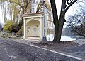 Hamerský rybník, kaplička u výpustě.jpg