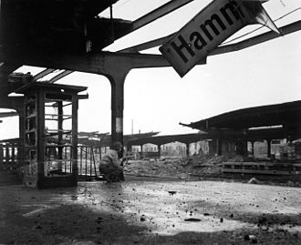 Hamm (Westfalen) station - Hamm station upon capture by the United States Army, April 6, 1945