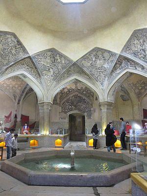 Tadelakt - Walls and fountain in the Hammam Vakil, apparently made of tadelakt
