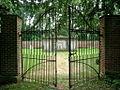 Hamtpon, cemetery (21414386660).jpg