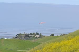 Ed R. Levin County Park - Image: Hang gliding in Ed R. Levin County Park
