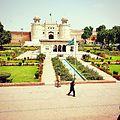 Hazuri bagh and lahore fort gate.jpg