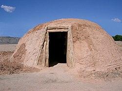 Hogan Navajo.jpg