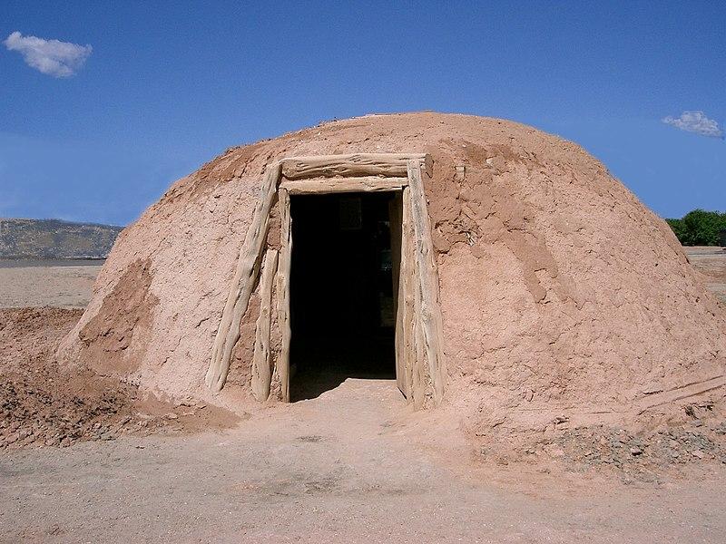 Fichier: Hogan Navajo.jpg