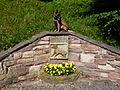 Hundedenkmal mit Malinois.JPG