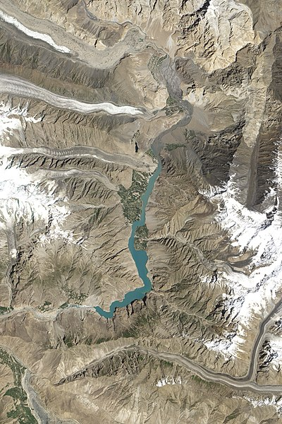 [Jeu] Association d'images - Page 17 400px-Hunza_Valley_Landslide_Lake