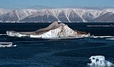 Icebergs in the High Arctic - 20050907.jpg