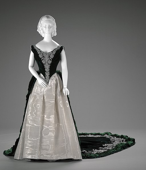 Imperial Russian court dress by Charles Frederick Worth, Paris, about 1888 02