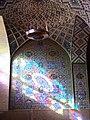 Inside nasir olmolk mosque light and chandelier.jpg