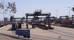 Intermodal ship-to-rail transfer of containeri...
