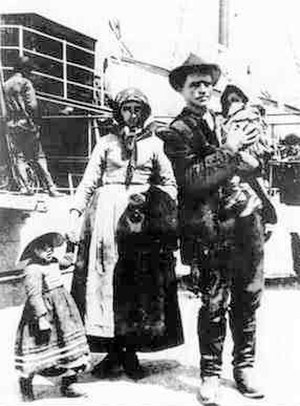 Italian Brazilians - A family of Italian emigrants.