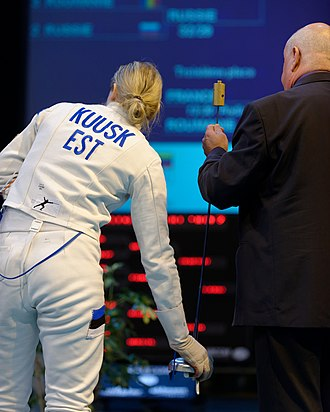 Épée - The referee checks Kristina Kuusk's weapon in the Challenge International de Saint-Maur