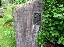 Ivar Aavatsmark gravminne Oslo.jpg