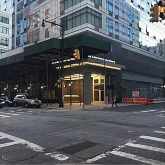 Jay Street–MetroTech (New York City Subway) - Entrance to BMT platform at southeast corner of Bridge and WIlloughby Streets, built in 2016