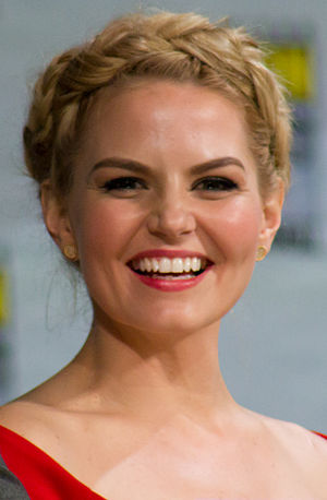 Pilot (Once Upon a Time) - Image: Jennifer Morrison SDCC 2014