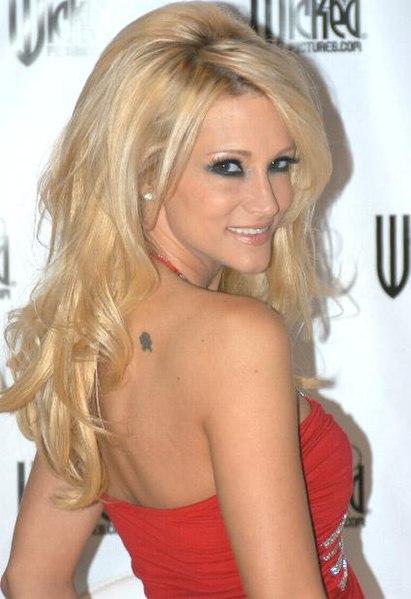 http://upload.wikimedia.org/wikipedia/commons/thumb/3/36/Jessica_Drake%2C_2007_closeup.JPG/411px-Jessica_Drake%2C_2007_closeup.JPG