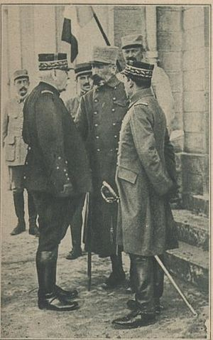 Georges de Bazelaire - Bazelaire (in center) speaks with General Joseph Joffre (on left)