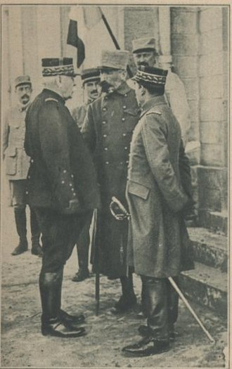 Georges de Bazelaire - Bazelaire (in center) speaks with General Joseph Joffre (on left)