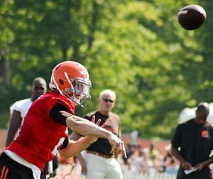 Johnny Manziel - Manziel passing at 2014 Browns training camp